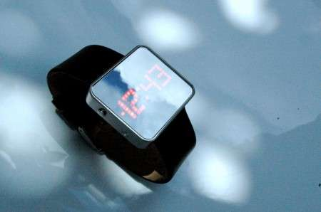 Mirrored Watches - SDWorks' Dual-Purpose 'Mirror Watch' Wins China's 2009 Design Award