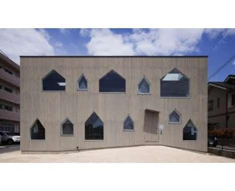 15 Odd Architectural Windows
