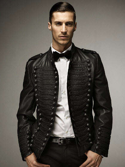 Military-Inspired Formal Attire - Dapper Classics in the F/W 2009 Zara Menswear Lookbook