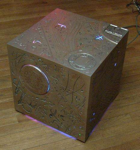 DIY All Spark Cube - Transformers Fan Transforms Xbox into All Spark Cube