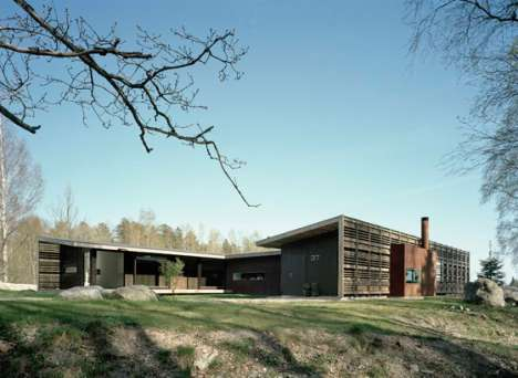 Wooden Letter Living - Widjedal Racki Bergerhoff Creates a Wood-Slated 'H House'