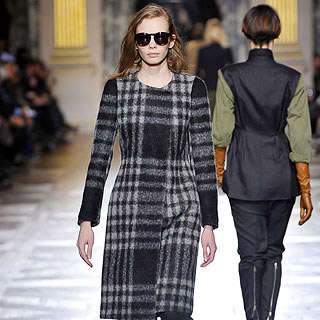 Geometric Haute Couture - Angular Looks Pop up on Fall Runways