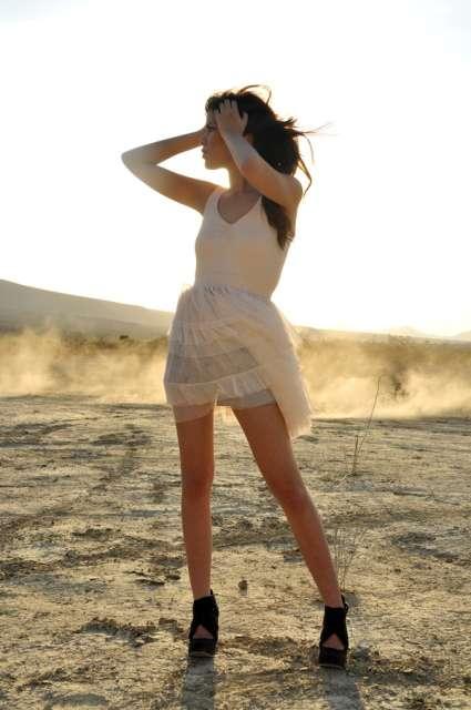 Damsels in Deserts