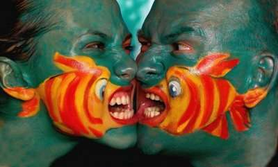 From Camouflage Body Painting to Creepy Clowntography