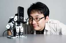 Cell Phone Robots - 'Callo' and 'Cally' by Ji-Dong Yim and Chris Shaw Are Bots That Dance & Cry