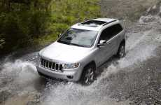Mobile Car Manuals - 2011 Jeep Grand Cherokee iPhone App Puts Vehicle Info at Your Fingertips