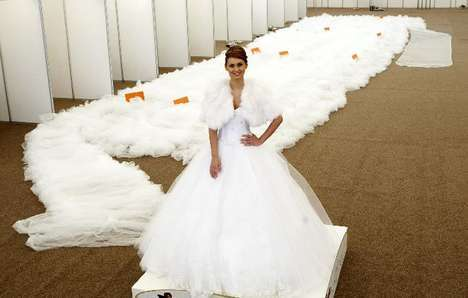 15 Extravagant Wedding Dresses