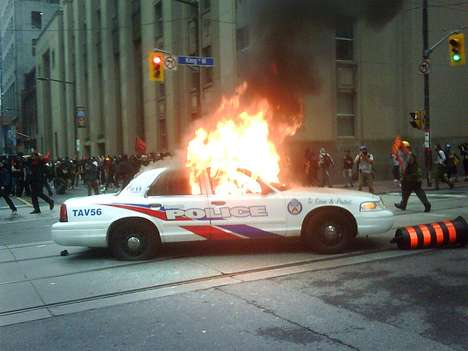 Riot Photography - Crowdsourced Photography Becomes Go-To for G20 Riots in Toronto