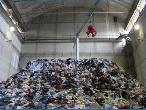 Clothes Hoarder Exhibits - The Christian Boltanski 'Personnes' Installation