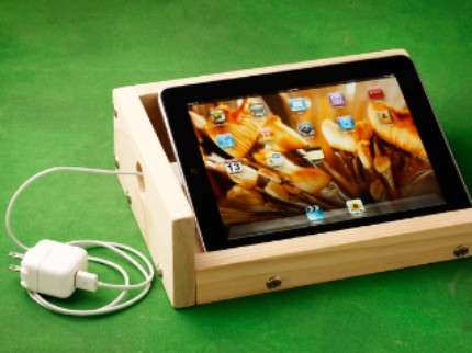 Carved Computer Cradles - The iBox Sound-Enhancing iPad Stand Looks Shabby-Chic