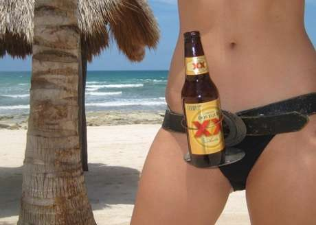 Alcohol Belt Carriers - The Beer Buckle Lets You Hold Your Beverage Hands-Free
