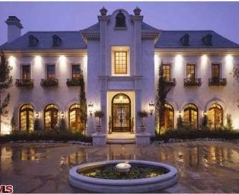 47 Monstrous Mansions