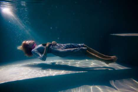 Submerged Death Photography - 'Underwater Suicide' is a Graphic Depiction of Death