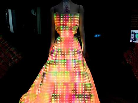 The Galaxy Dress By Cute Circuit Lights Up The Party With 24,000 Led