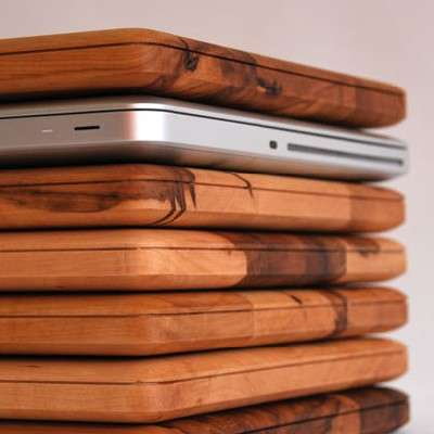 Laptop Kitchen Accessories - The ApfelBrett Wooden Cutting Board is Perfect for Apple Fans