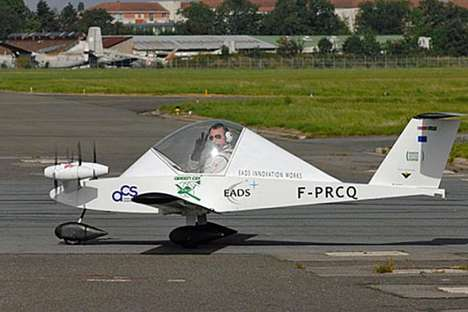 Micro-Sized Electric Planes - The Cri-Cri is the World's Smallest Co2 Emission-Less Plane