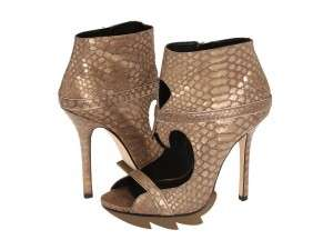 Sizzling Skinned Pumps