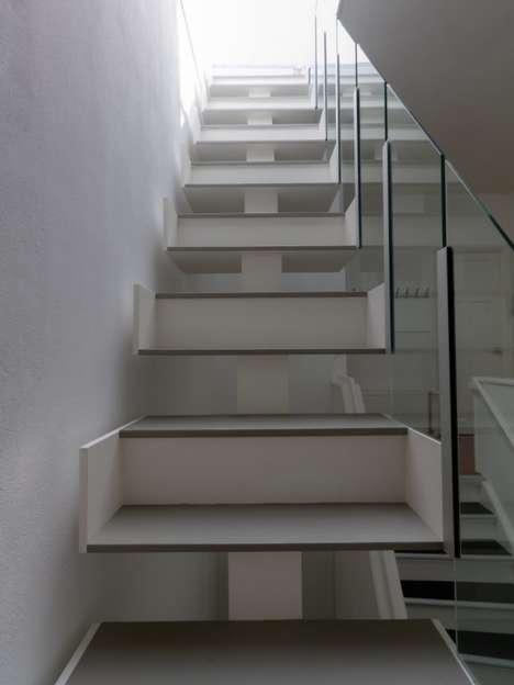 Giant Illusion Steps