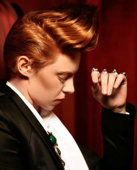 Elly Jackson, Lead Singer of the Band La Roux (INTERVIEW)