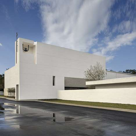 Modern Minimalist Prayer Palaces - Alfonso Architects Tampa Covenant Church