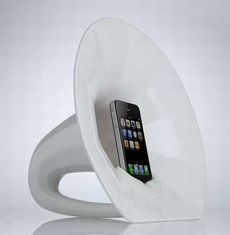 The Phonofone III iPod Dock is Simple and Sleek
