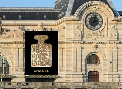 Fragrant Wall Tapestries - A Scintillating Chanel No.5 Adorns the Musee d'Orsay