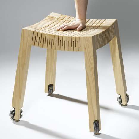 Carolien Laro Designs a Simple, Naturalistic Seat