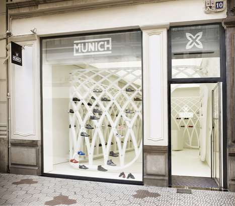 Abstract Art Retail Displays - The Valencia Munich Store Incorporates Art and Design