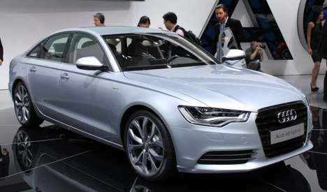 The Audi A6 Hybrid Attracts Attention at NAIAS 2011