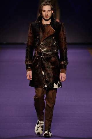 The Etro Fall 2011 Show is Influenced by Cows