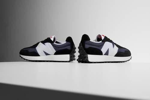 Monochromatic Casual Sneakers