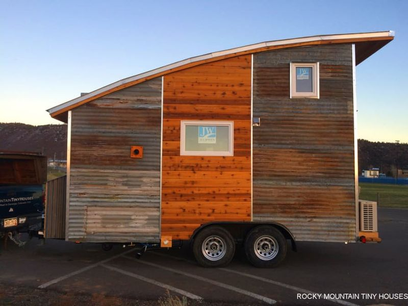 Curvaceous Tiny Homes