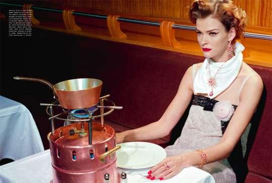 Retro Diva Dining Lookbooks