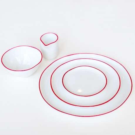 Pristine Minimalist Dinnerware
