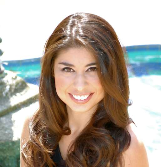 Adriana Herrera, Founder and CEO of Fashioning Change (INTERVIEW)