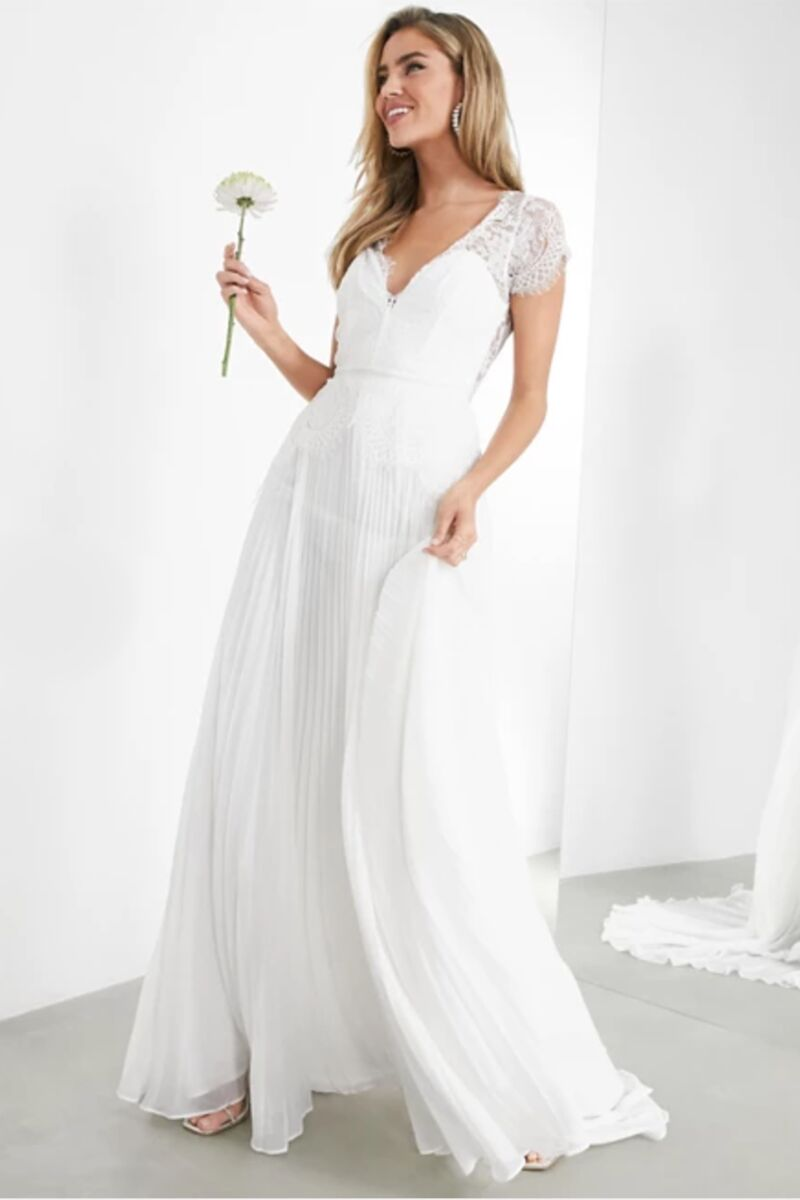Cost Conscious Wedding Dresses  affordable wedding style
