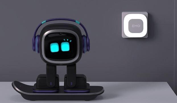 Cute Desktop Companion Robots