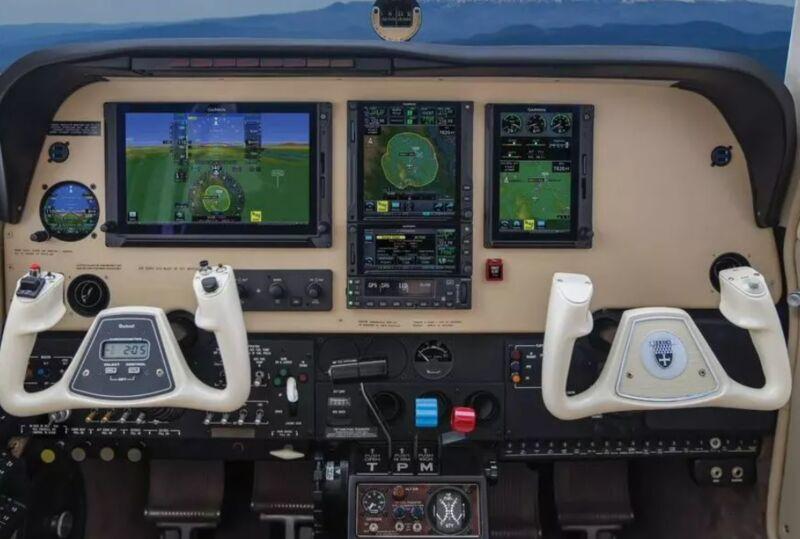 Autopilot-Activating Aircraft Gadgets