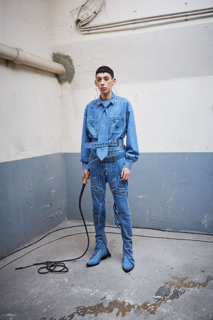 Rodeo-Inspired All-Denim Fashion
