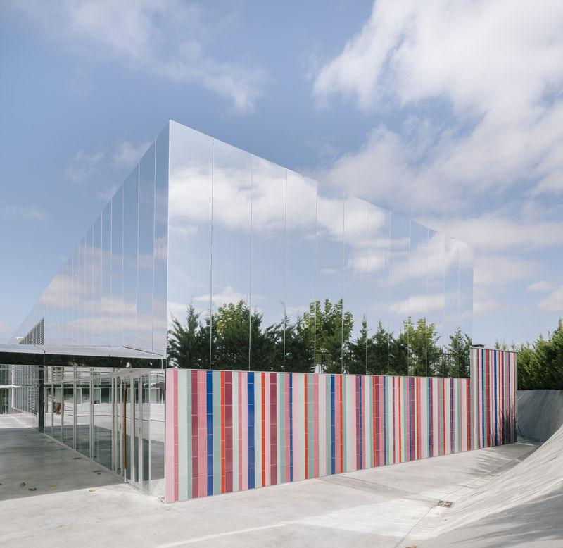 Mirrored School Complexes