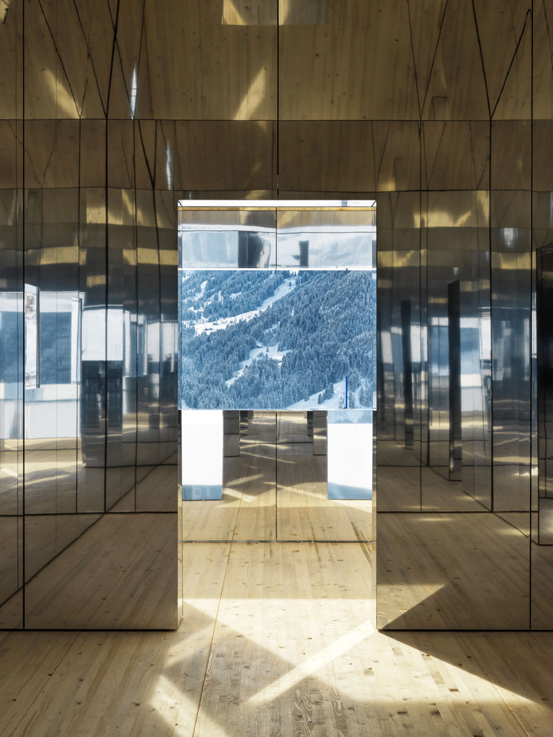 Mirrored Alpine House Exteriors