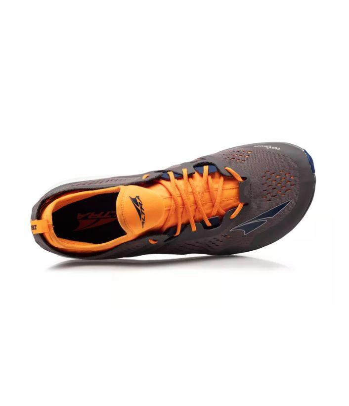Roomy Running Sneakers