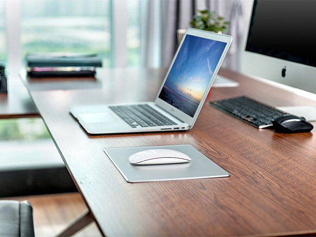 Spill-Repelling Mouse Pads