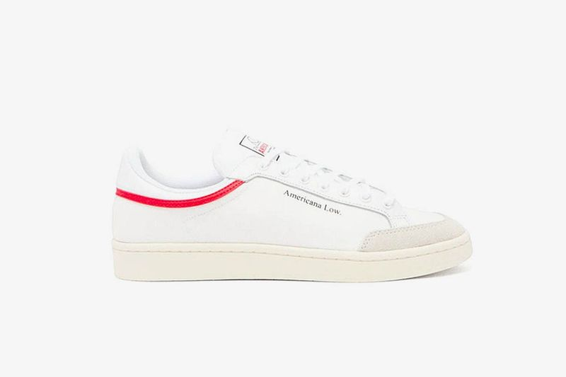 70s-Themed Simplistic Sneakers