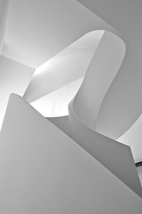 Sweeping Sculptural Staircases