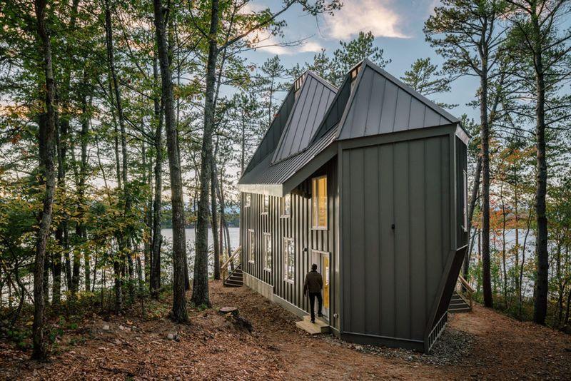 Elegant Modern Lakehouses
