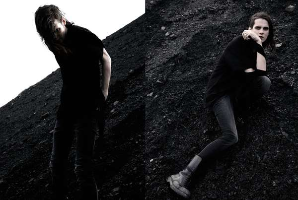 Grungy Goth Pictorials