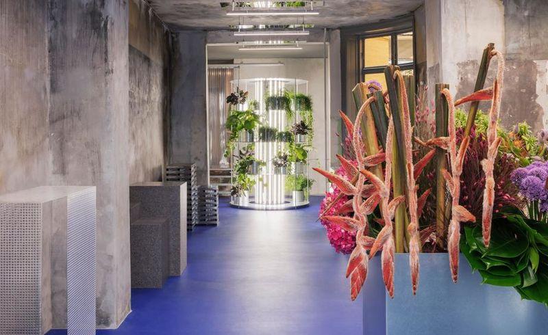 Art-Showcasing Flower Shops