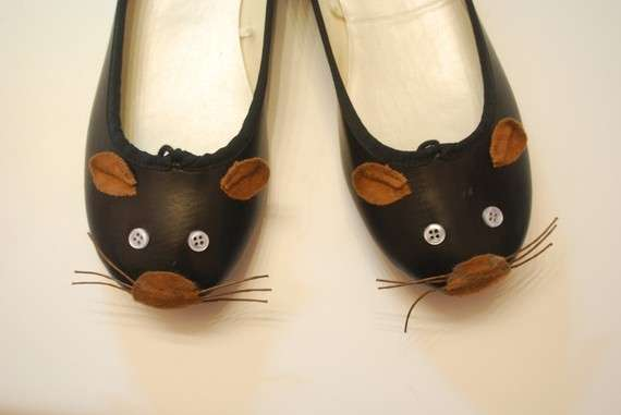 Rodent-Inspired Footwear