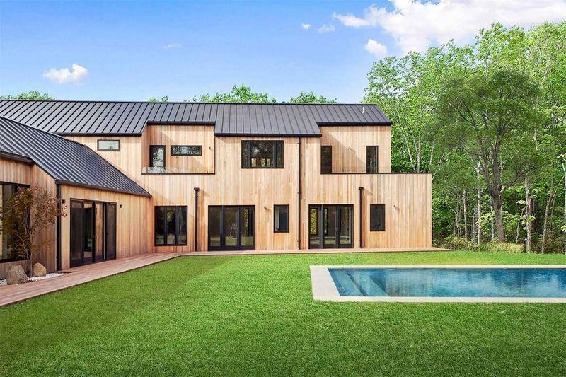 Modernized Hamptons Houses